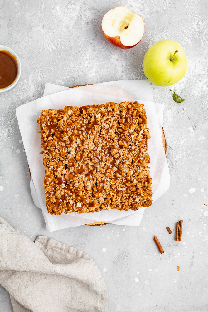 crumble bars with caramel drizzle