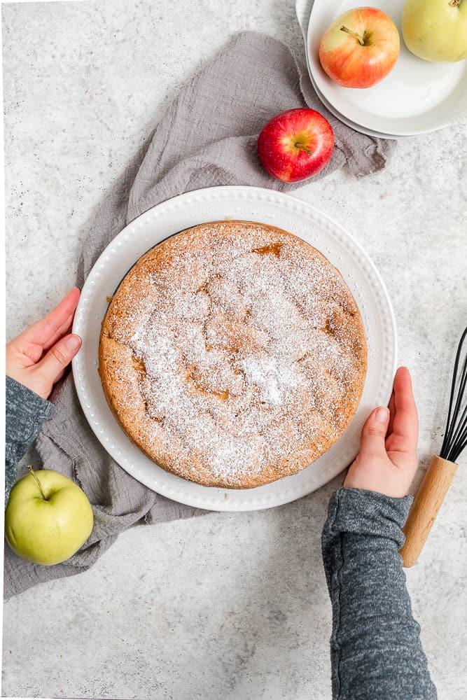 easy apple cake  (sharlotka)